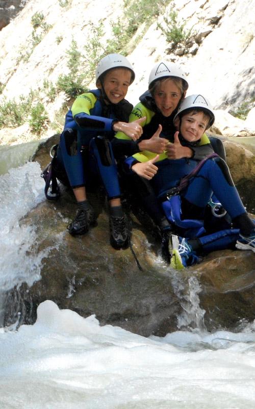 deportes de aventura en la sierra de guara con guaranatura descenso de barrancos 02
