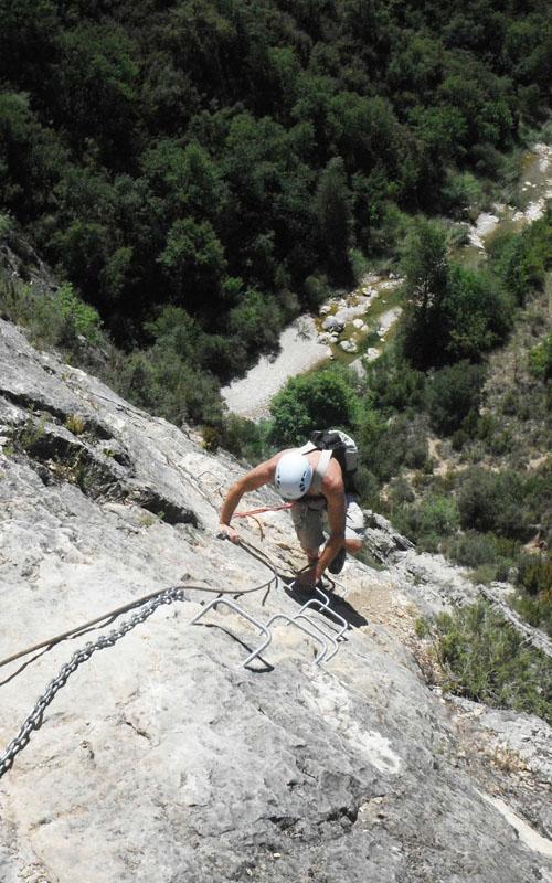 deportes de aventura en la sierra de guara con guaranatura vias ferratas 05